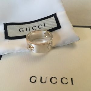 "Gucci Silver Band Ring with Cut-out + Engraved ""G"""
